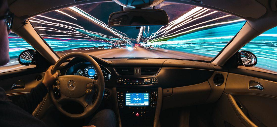 Ar neblaivus asmuo turi teisę valdyti autonominį automobilį?